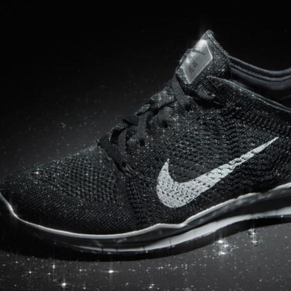 Nike GLITTER FlyKnit Free TR 5 Sz 5.5. M 5a4ae30e2ab8c54951069e06 92982952a